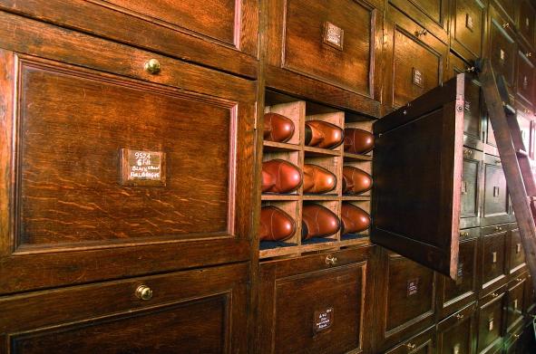 Shoe storage Tricker.jpg